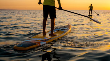 SUP (Stand-Up Paddleboard)